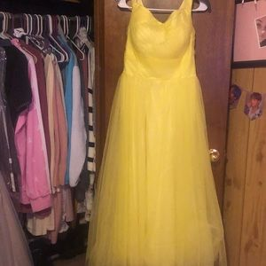 YELLOW FORMAL GOWN!!!!